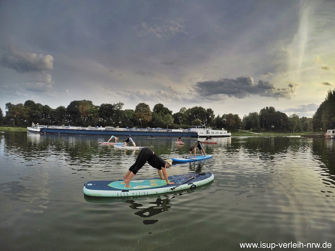 Pilates auf dem Wasser